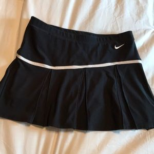 Nike Black skirt, excellent condition